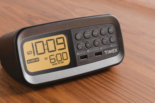 Timex T1305B Hotel Clock Radio